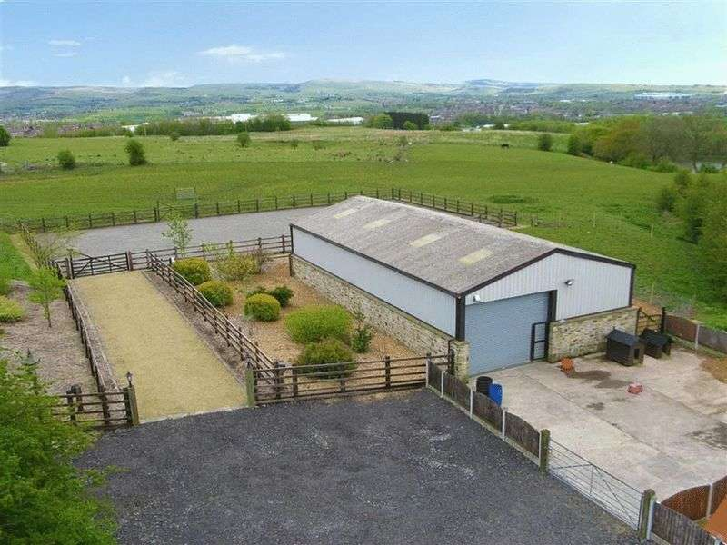 Property for sale in Ringlows Lane, Rochdale
