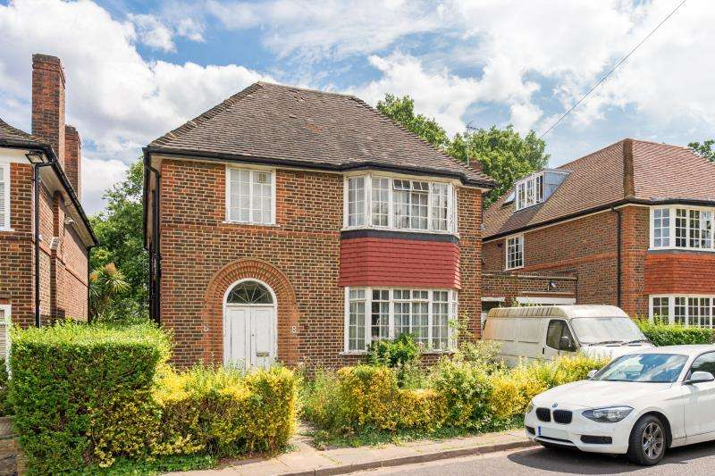 4 Bedrooms Detached House for sale in Rowan Walk, Hampstead Garden Suburb