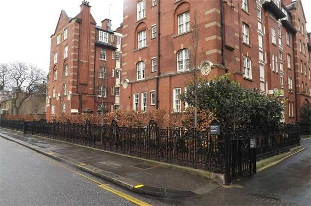 1 Bedroom Flat for sale in Beaufort Street, London