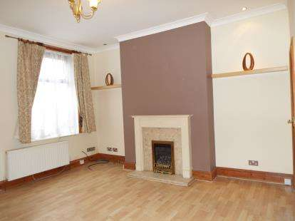 2 Bedrooms Terraced House for sale in Beverley Street, Burnley, Lancashire, BB11