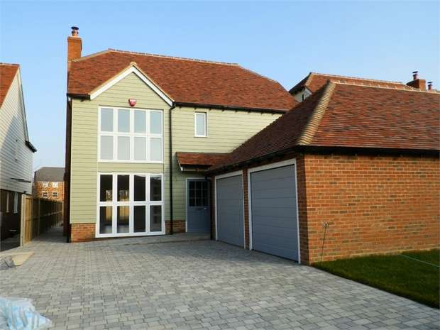 4 Bedrooms Detached House for sale in The Meadows, SITTINGBOURNE, Kent