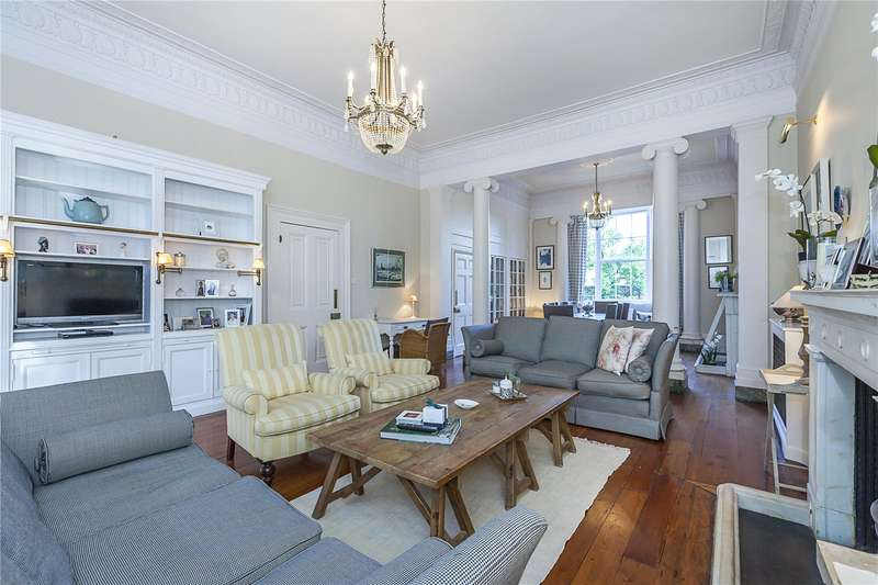 4 Bedrooms Flat for sale in Heathfield House, Eliot Place, London, SE3