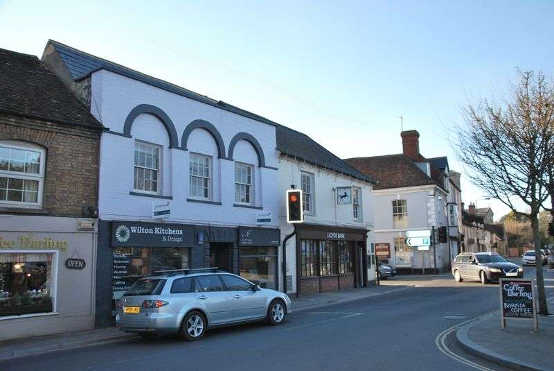 1 Bedroom Flat for sale in South Street, Wilton, Salisbury