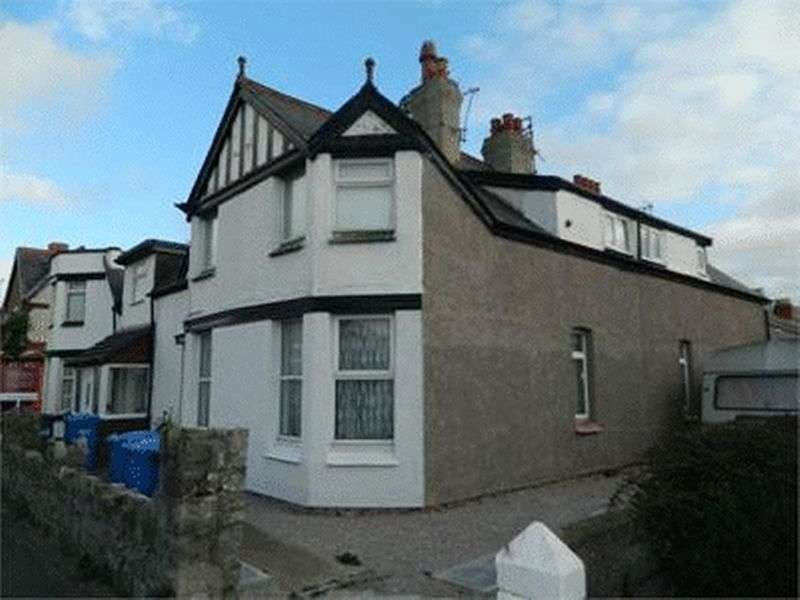 4 Bedrooms Flat for sale in 76a Marine Road, PRESTATYN