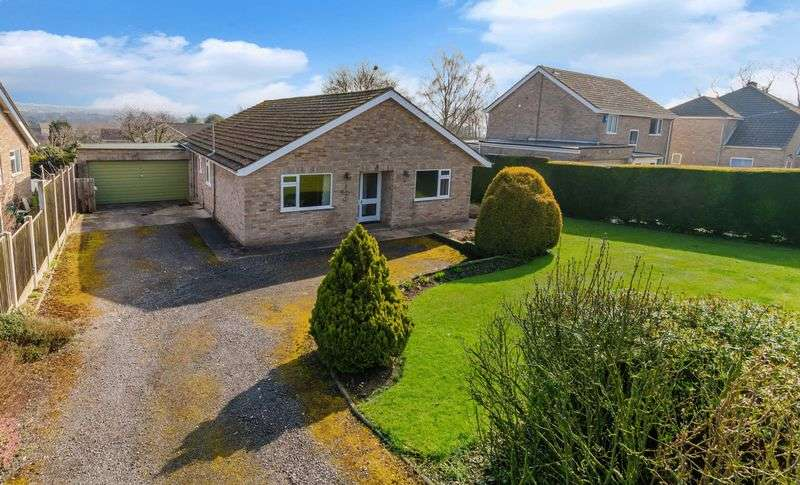 3 Bedrooms Detached Bungalow for sale in Woodhall Road, Horncastle