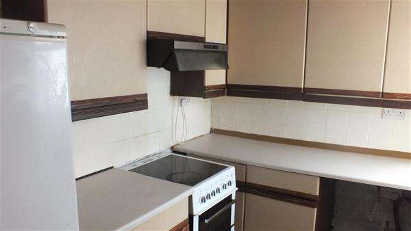 3 Bedrooms Terraced House for sale in Cleaver Street, Burnley