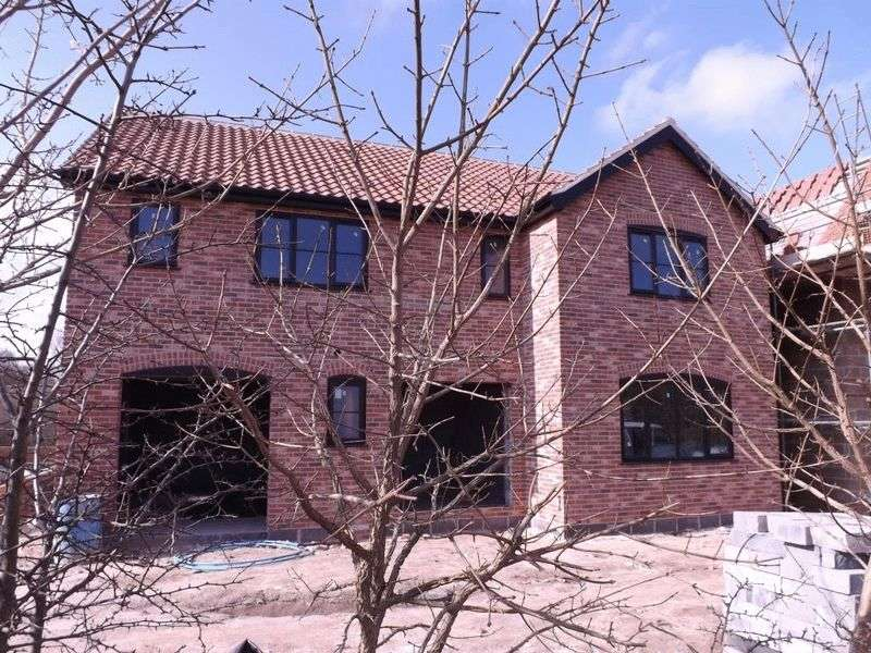 5 Bedrooms Detached House for sale in Burgh Castle