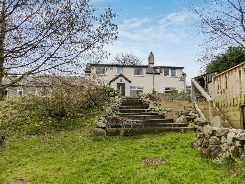 4 Bedrooms Semi Detached House for sale in Pentir