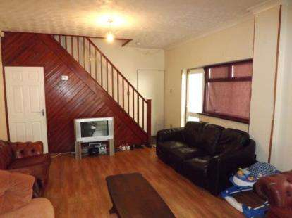 4 Bedrooms Semi Detached House for sale in Church Road, Bradmore, Wolverhampton, West Midlands