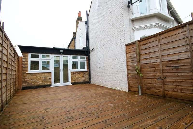 3 Bedrooms House for sale in Myrtle Road, Poet's Corner, W3