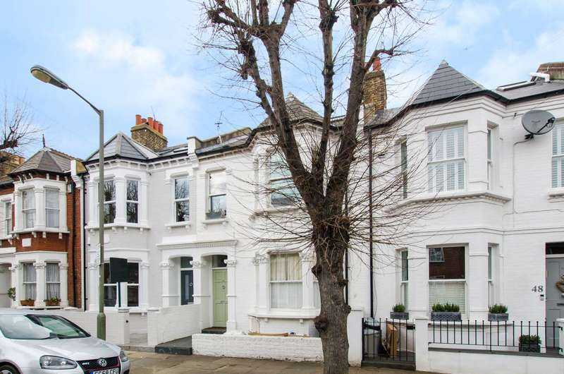 3 Bedrooms Flat for sale in Fontarabia Road, Clapham Common North Side, SW11