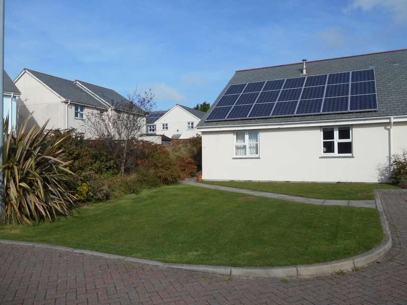 2 Bedrooms Bungalow for sale in Hensbarrow Meadows, Foxhole, Cornwall, PL26
