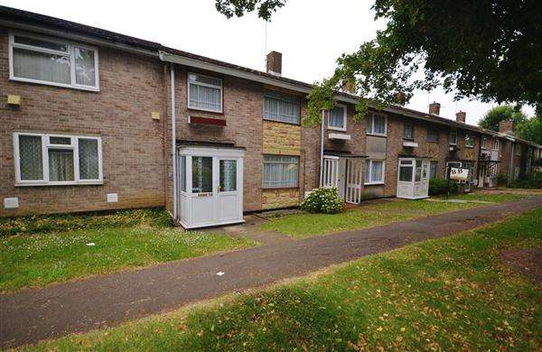 3 Bedrooms Terraced House for sale in Honeypot Lane, Basildon