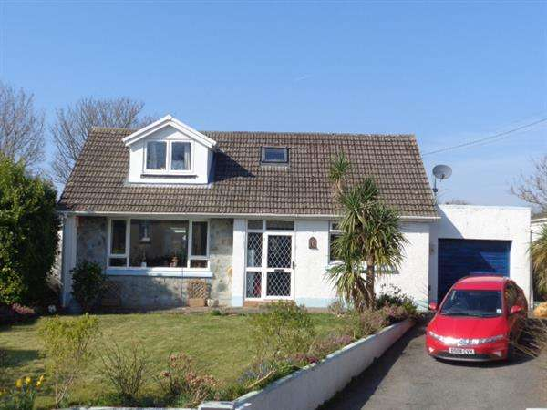 3 Bedrooms Bungalow for sale in Sunning Hill, St Florence, Nr. Tenby