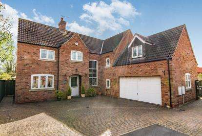 6 Bedrooms Detached House for sale in Lock Keepers Way, Louth, Lincolnshire