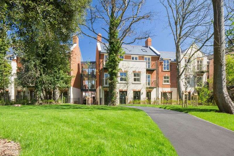 1 Bedroom Flat for sale in Fleur de Lis, 41 High Street, Christchurch, Dorset. BH23 1AS **BRAND NEW APARTMENT**