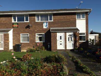 2 Bedrooms Flat for sale in Copper Beech Close, Broughton, Chester, Flintshire, CH4