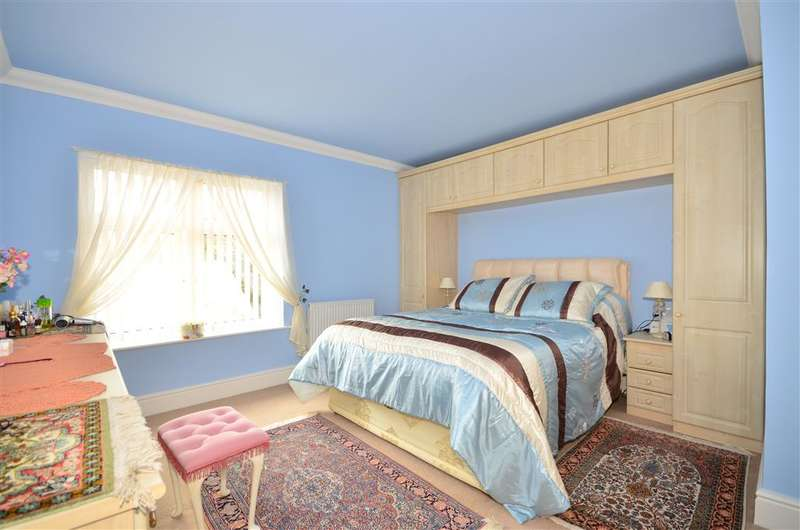 2 Bedrooms Apartment Flat for sale in Church Road, Shanklin, Isle of Wight
