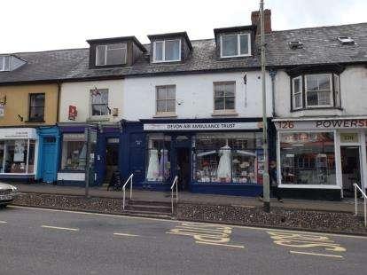 3 Bedrooms Maisonette Flat for sale in Honiton, Devon