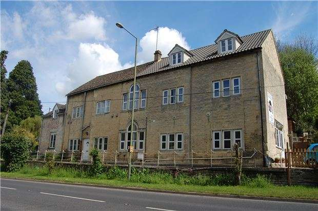 2 Bedrooms Flat for sale in Woodchester Garage, Stroud, Gloucestershire, GL5 5NE
