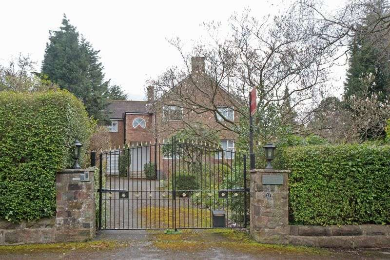 5 Bedrooms House for sale in Hill Top, Hale
