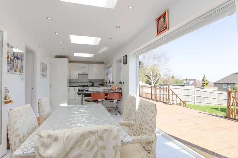 4 Bedrooms Semi Detached House for sale in Highland Road, Northwood Hills, HA6