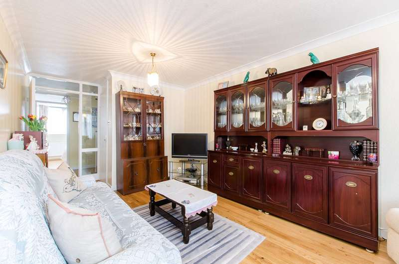 3 Bedrooms Maisonette Flat for sale in Cornwall Crescent, Notting Hill, W11