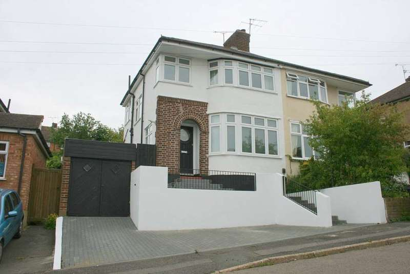 3 Bedrooms Semi Detached House for rent in Meadow Road, Berkhamsted