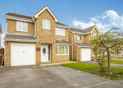 4 Bedrooms Detached House for sale in The Meadows, Burnley, Lancashire, BB12