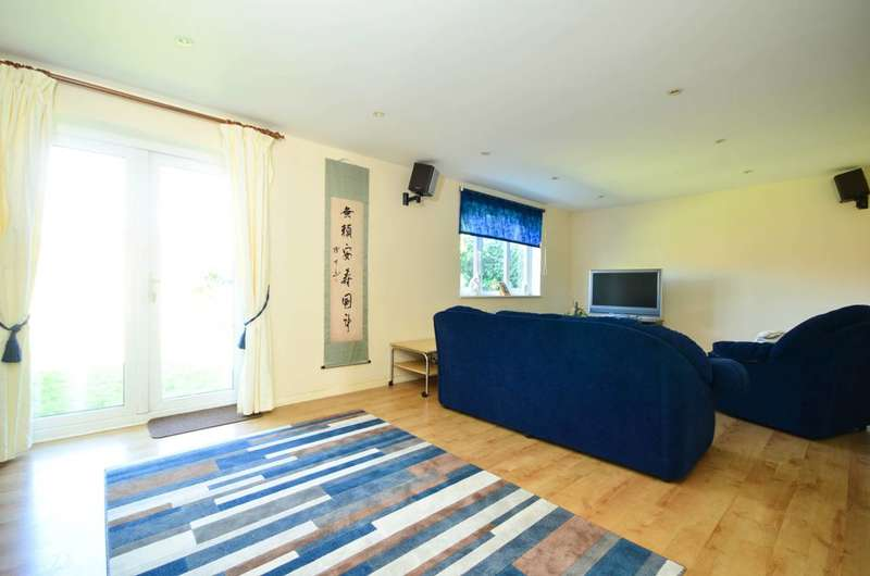 2 Bedrooms Terraced House for sale in Mulberry Close, New Barnet, EN4