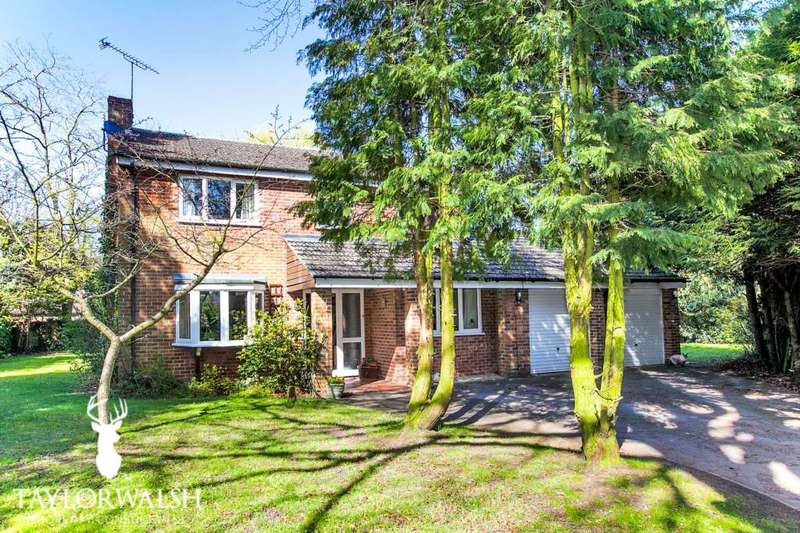 4 Bedrooms Detached House for sale in London Road, Broughton Village