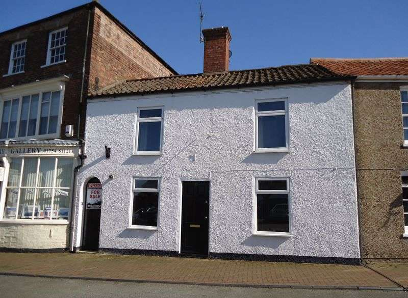 2 Bedrooms Terraced House for sale in Market Place, Burgh Le Marsh, Skegness