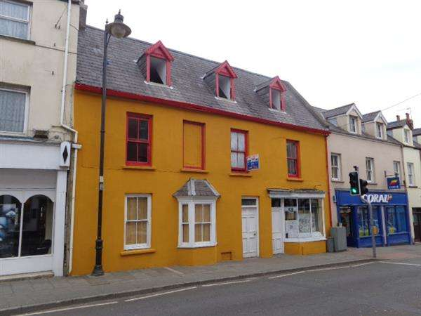 4 Bedrooms Terraced House for sale in 'Traceys', 36 Main Street