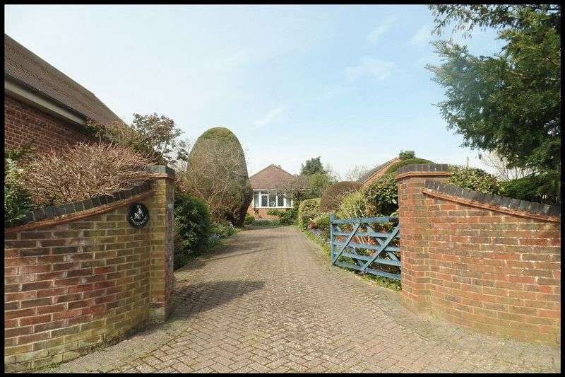 2 Bedrooms Detached Bungalow for sale in Shepherds Hey Road, Old Calmore