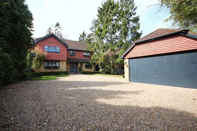 4 Bedrooms Detached House for sale in Nugents Park, HATCH END