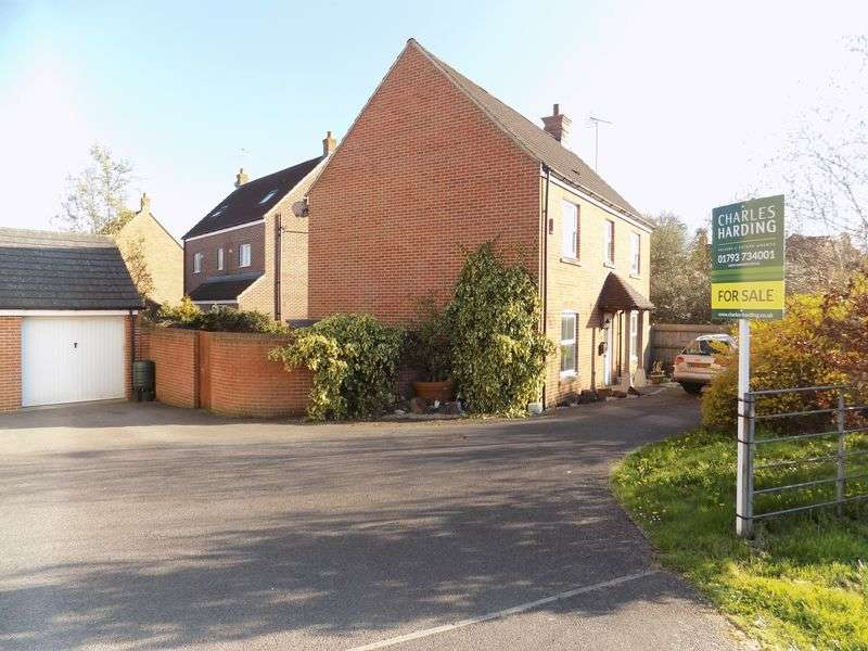 4 Bedrooms Detached House for sale in Oakhurst