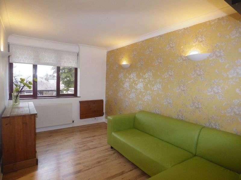 2 Bedrooms Flat for sale in Bruche Heath Gardens, Warrington