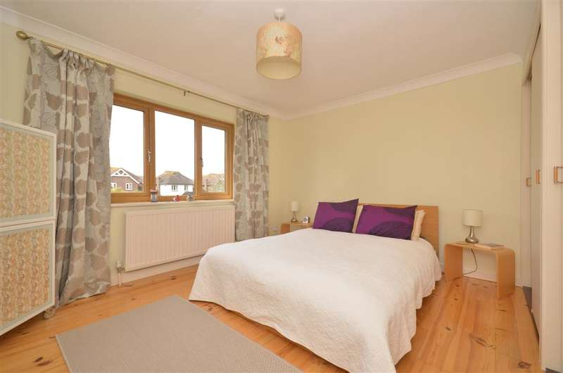 3 Bedrooms Detached House for sale in Goodhew Close, Yapton, Arundel, West Sussex