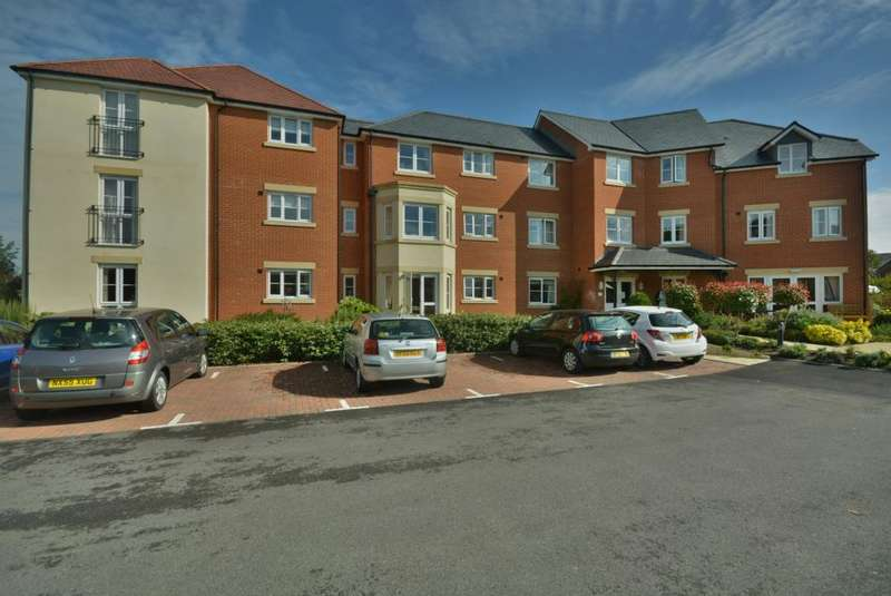1 Bedroom Flat for sale in Bennett Lodge, 23 Rodway, Wimborne, BH21 1GN