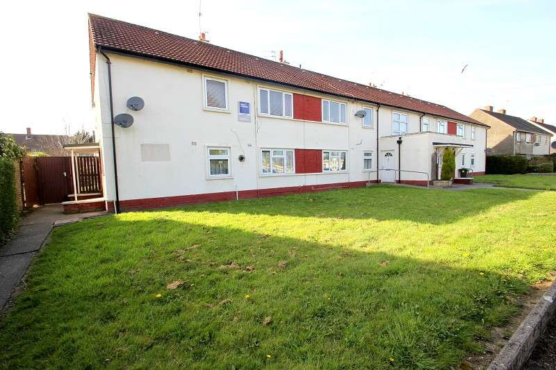 2 Bedrooms Maisonette Flat for sale in Colwill Road, Cardiff. CF14 2QR