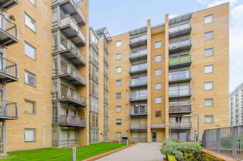 1 Bedroom Flat for sale in Moore House, Canary Wharf, E14