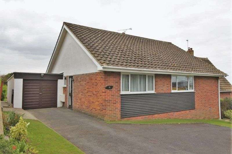 2 Bedrooms Detached Bungalow for sale in Bleadon Hill, Weston-super-Mare