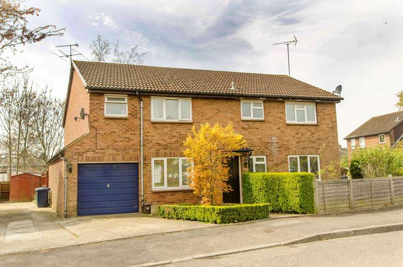 3 Bedrooms Semi Detached House for sale in Jarvis Close, High Barnet, EN5
