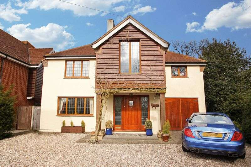 5 Bedrooms Detached House for sale in Maltings Drive, Epping