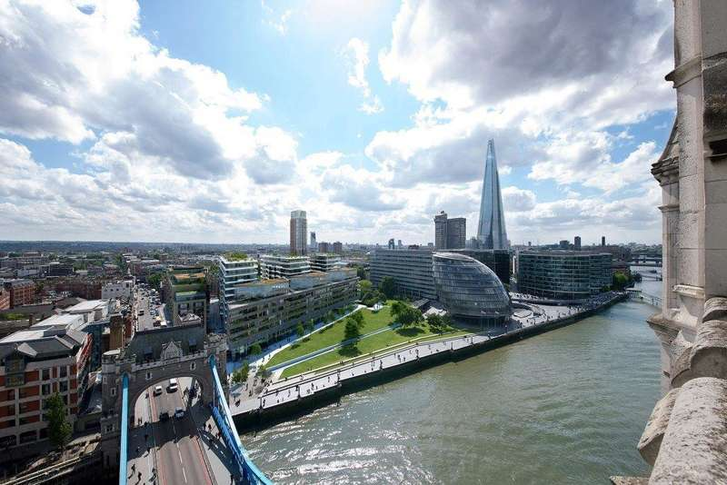 2 Bedrooms Flat for sale in Wessex House, One Tower Bridge, Tower Bridge SE1