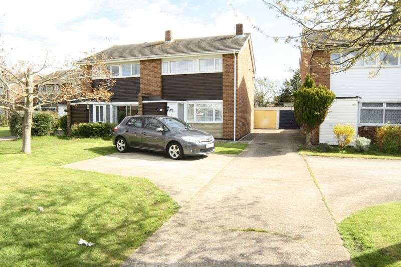 3 Bedrooms Semi Detached House for sale in Austin Road, Woodley