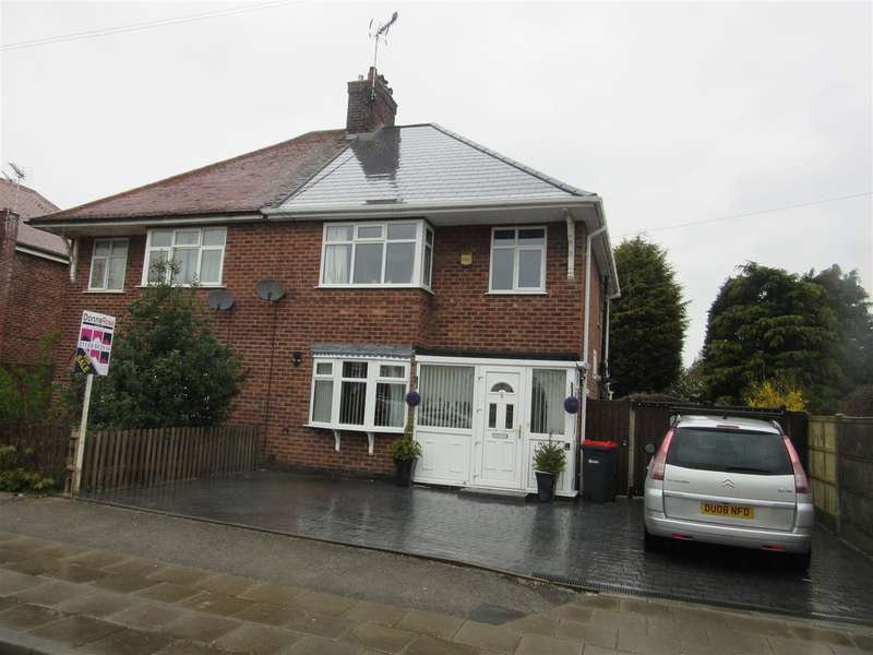 3 Bedrooms Property for sale in Garden Road, Hucknall, Nottingham