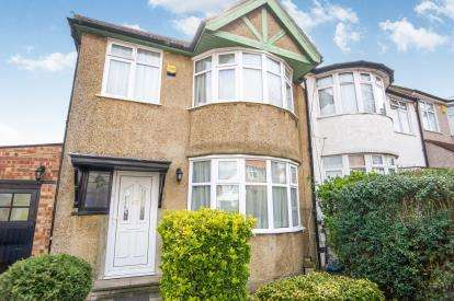 3 Bedrooms Semi Detached House for sale in Wakemans Hill Avenue, London