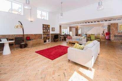 4 Bedrooms Detached House for sale in Bridge Road, Hunton Bridge, Kings Langley