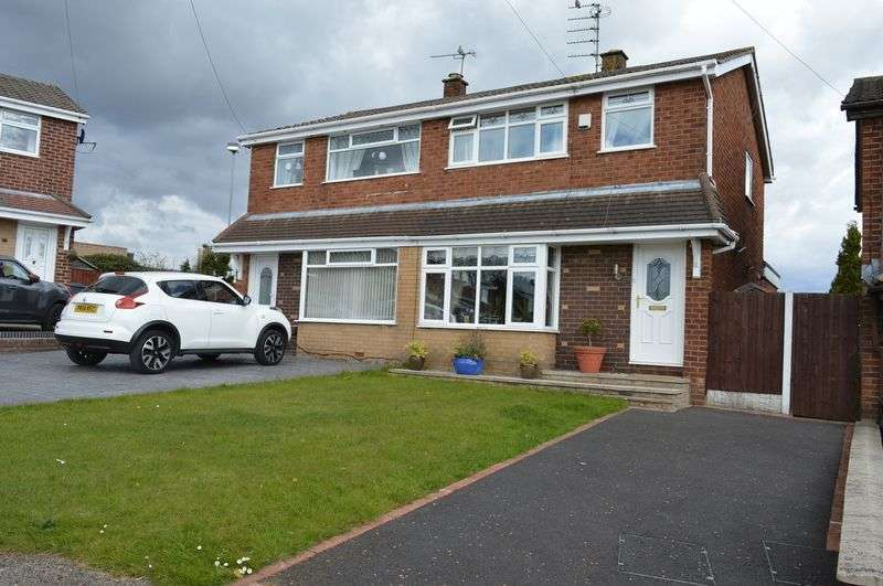 3 Bedrooms Semi Detached House for sale in Halewood Avenue, Golborne, WA3 3RQ